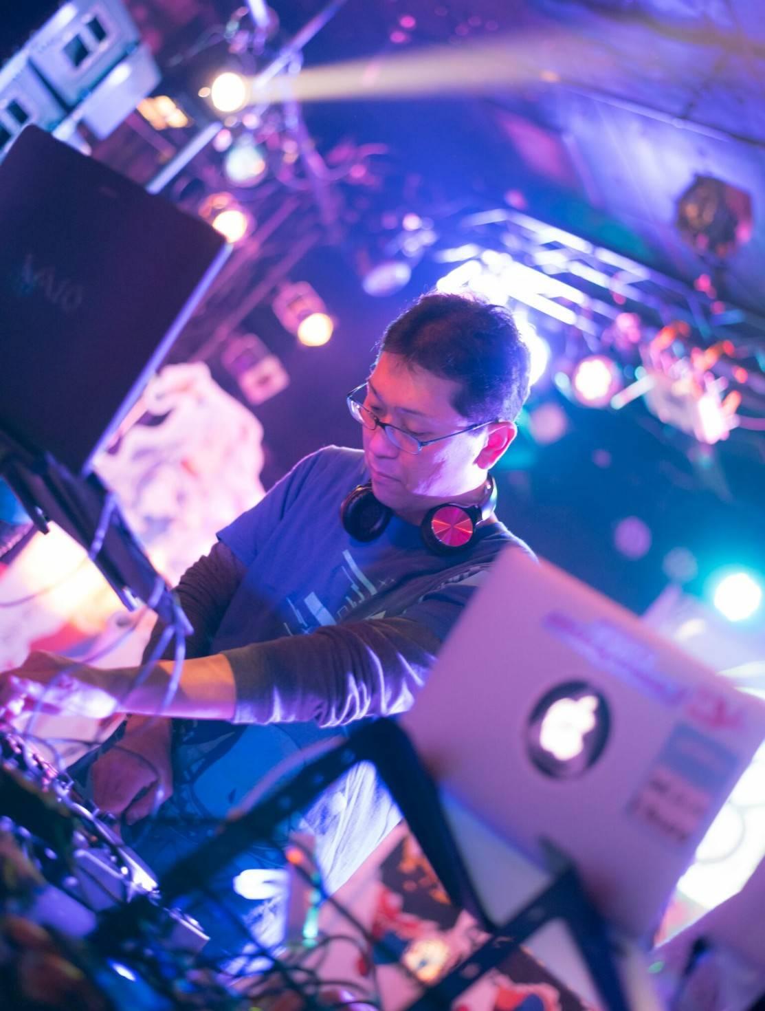 DJ_ ZUMA